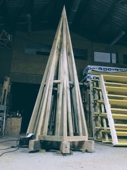 Création d'une charpente pour tourelle en atelier.